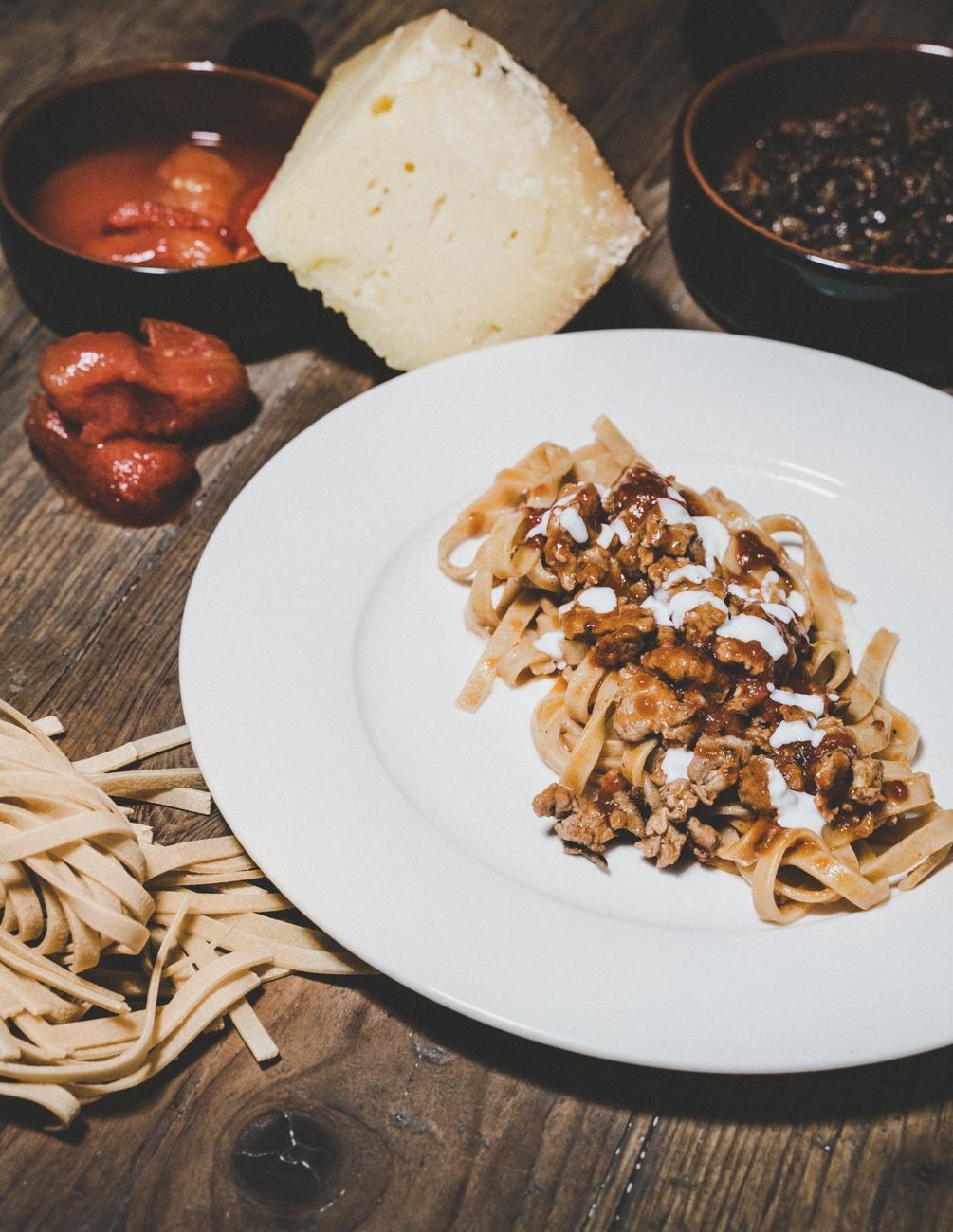Tagliatella di pasta fresca alla Campidanese - IMPASTO Cagliari